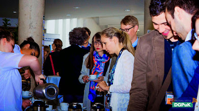 """Photo: 59. Jahrestagung der DGPuK über """"Digitale Öffentlichkeit(en)"""" an der Universität Passau  Kaffeepause   Foto: Janertainment Janine Amberger"""