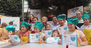 Todos los participantes del concurso de MiniChefs junto a los organizadores y el concejal, Carlos Sánchez.