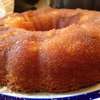 Easy Apple and Cinnamon Bundt Cake.