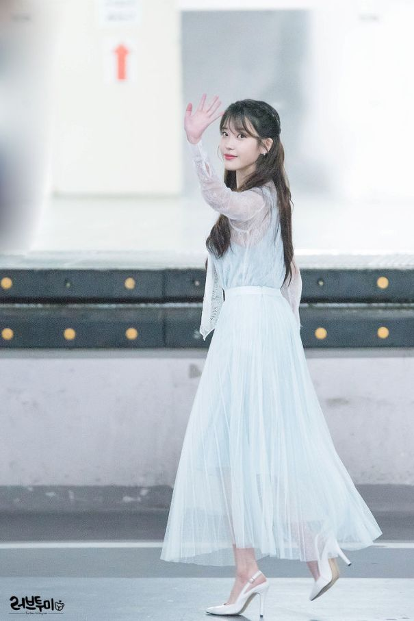 iuwhitegowns_birthday fanmeeting 2018