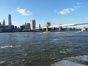 Photo: De gele watertaxi op de Hudson