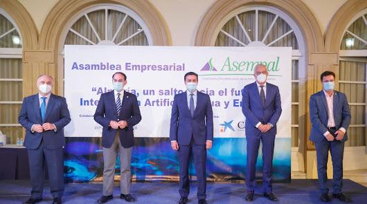Los empresarios radiografían el futuro de Almería: inteligencia, agua y energía