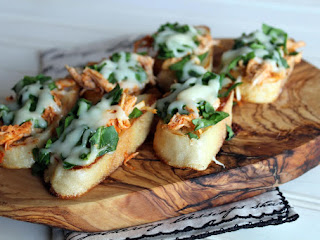 Buffalo Chicken And Spinach Crostini Recipe