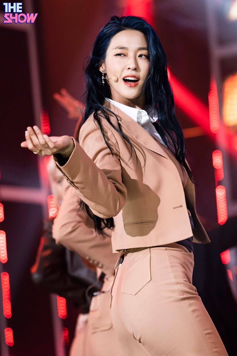 seolhyun blue3