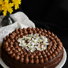 Vegan chocolate cake by Alina Vicu - Food & Drink Cooking & Baking ( cake, vegan, chocolate, coconutmilk, chocolateganache,  )
