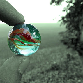 Marbel Ball by Udaybhanu Sarkar - Abstract Patterns ( abstract, ball, marbel, green, round,  )