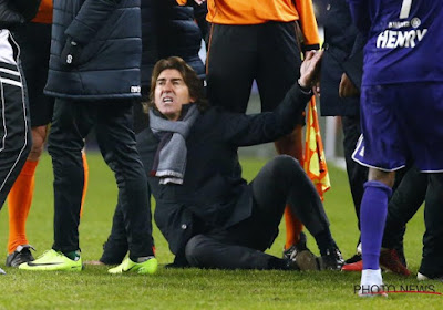 """Vanhaezebrouck en colère après 'la simulation de l'année': """"Un scandale pour un club comme le Standard"""""""