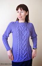 Photo: женский вязаный свитер с косами без швов Васильковый