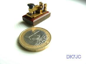Photo: Mini-Taste kleiner als 1€uro  #097