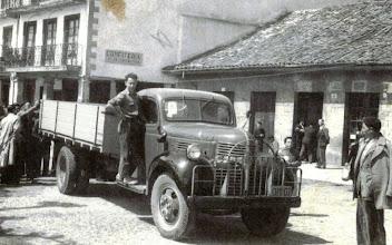 Photo: Luchi con un camión último modelo.