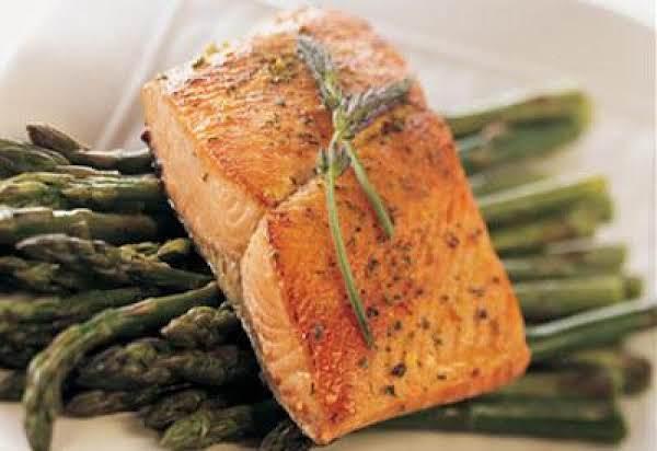 Bronzed Alaska Salmon In A Butter Wine Sauce Recipe
