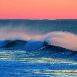 Evening wave by Gaylord Mink - Landscapes Waterscapes ( seascape, evening, water, wave, mist )