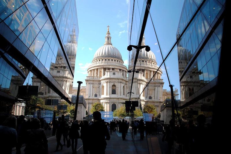 Riflessi londinesi  di Zoe j A