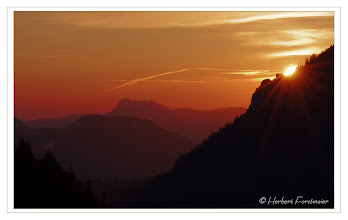 Photo: Sonnenaufgang in den Bergen  Wenn die Sonne erwacht in den Bergen ...  Sunrise in the Mountains When the sun wakes up in the mountains ...