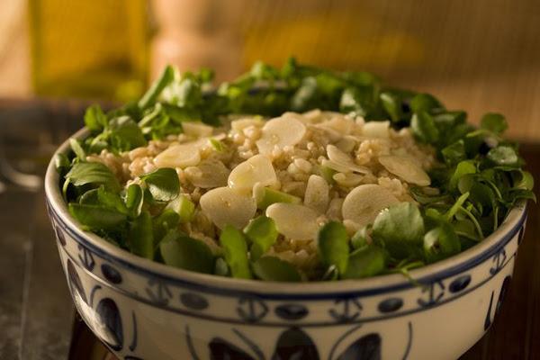 Salada Light de Trigo com Maçã e Alho