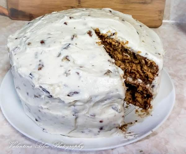 Autumn Cake With Nutty Cream Cheese Frosting