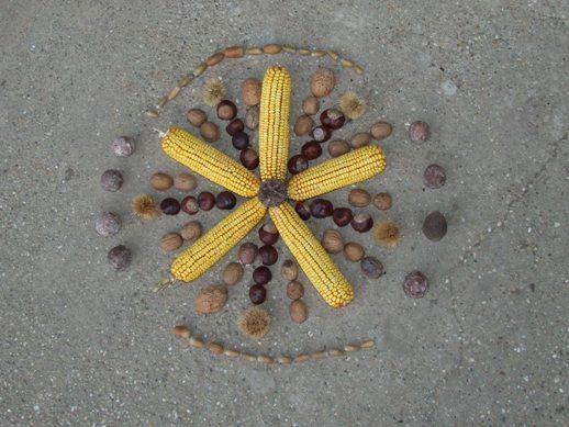 játékok kukoricával, termés mandala