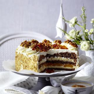 Walnut Cake with Vanilla Cream