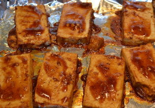 Photo: The tofu after baking is sticky glazed and delicious.