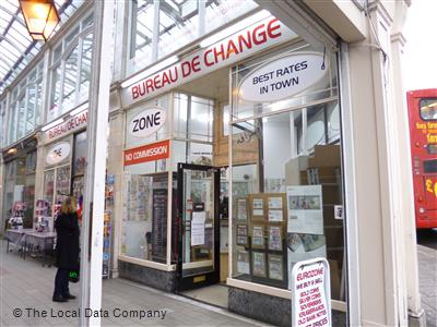 The euro zone on imperial arcade bureaux de change in city