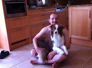 Photo: Desmond (9 Monate )und sein Markus.