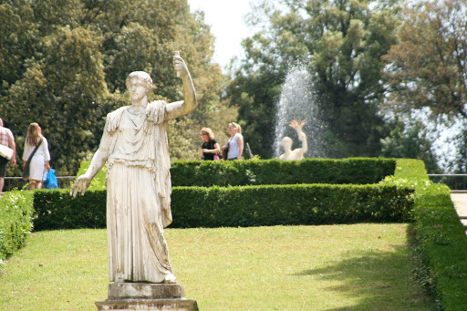 boboli-gardens-statue.jpg - One of the statues on the grounds of Boboli Gardens in Florence, Italy.