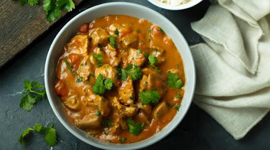 Prepara un rico pollo al Curry con champiñones y verduras