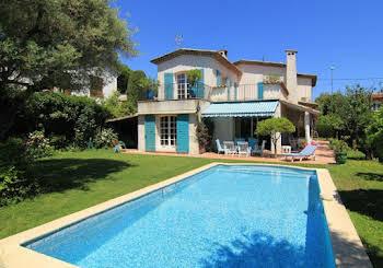 Villa 6 pièces 221,5 m2
