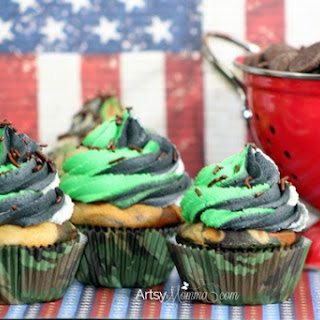Clever Camouflage Cupcakes