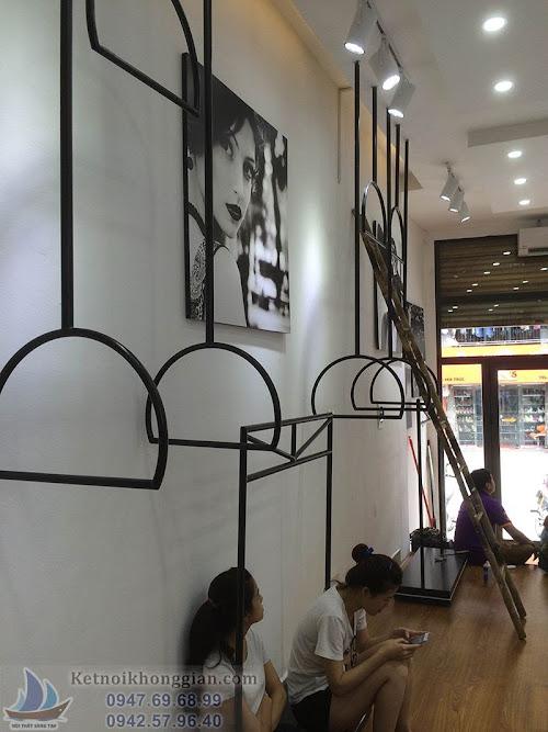 thiết kế shop thời trang hiện đại, thi công shop trẻ trung