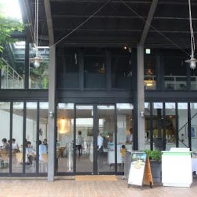 芦ノ湖のほとりで味わうで絶品の釜焼きピザ / 神奈川県箱根町の「ラ・テラッツア」