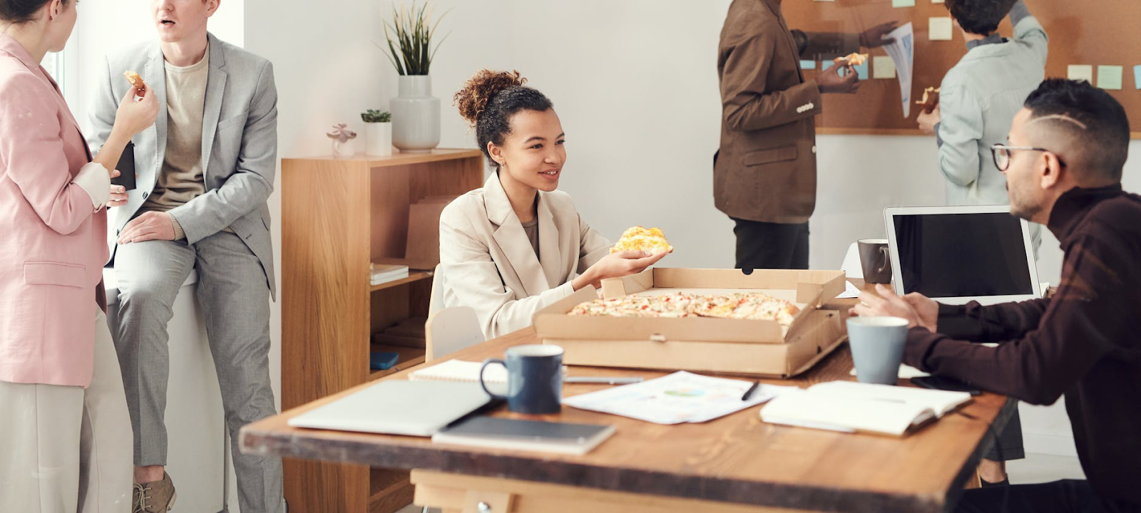 eat smaller meals to stay healthy at work