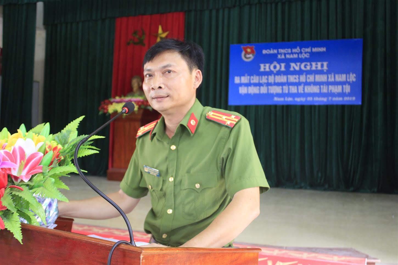 Thượng tá Nguyễn Hữu Thắng, Phó Trưởng Công an huyện phát biểu tại Hội nghị