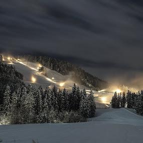 Preparations ski runs in the late evening by Rémon Lourier - Landscapes Mountains & Hills ( ski, wintersport, mountains, winter, snow, austria )