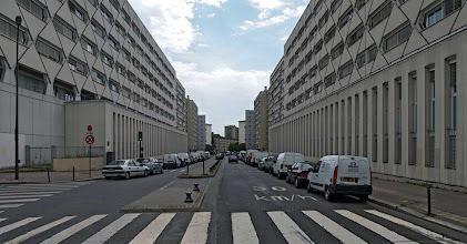 Photo: Rue Maryse Hills, Centre de conservation des hypothèques du XXéme, Paris, 2007