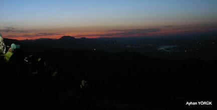 Photo: Ateş Sunağı(Altar)'da güneşin doğuşunu bekliyoruz.  Nemrut Dağı Saat: 04:30 Karadut Köyü-Kahta-Adıyaman- 22.05.2016 Mezopotamya (Gaziantep-Şanlıurfa-Adıyaman Nemrut Dağı)  Etkinliği. - 19-20-21-22 Mayıs 2016