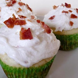 Pancake Cupcakes with Maple Bacon Buttercream Frosting.