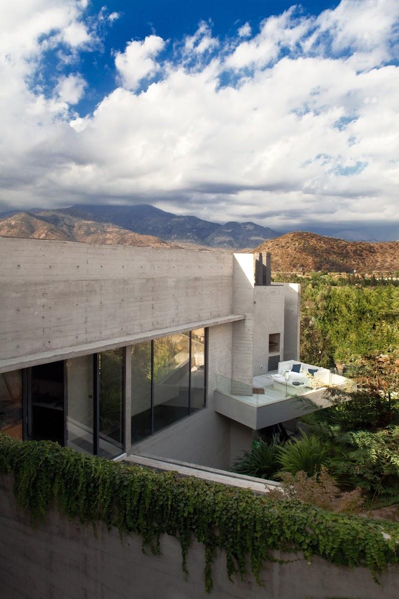 Casa Camino La Huerta - Claro + Westendarp + Rodrigo Cisternas
