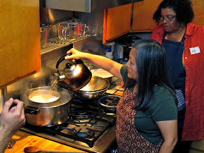 Photo: Kasma shows a simple method to steam better-tasting jasmine rice than automatic rice cookers can make
