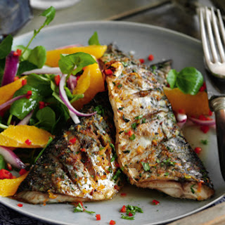 Slimming World's grilled mackerel with chilli and watercress salad