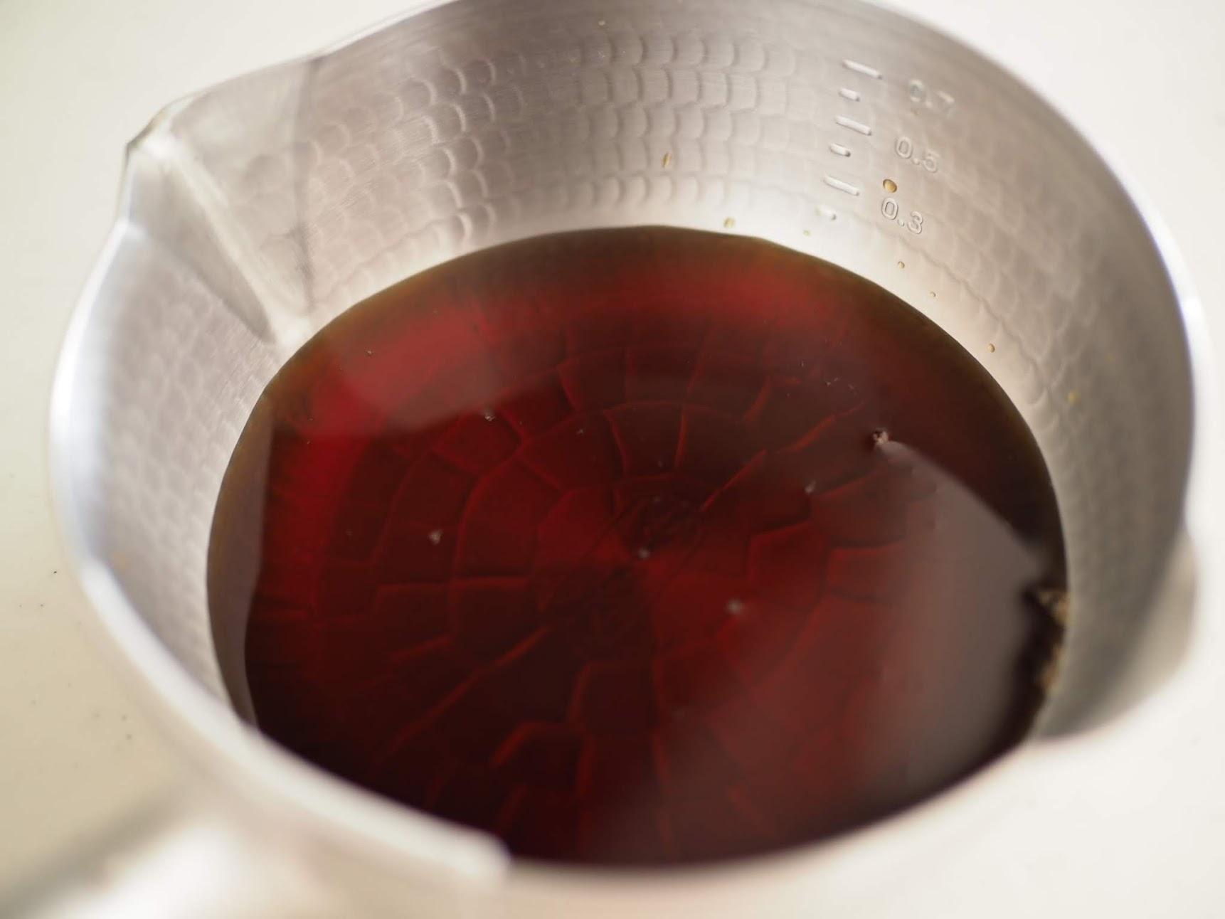 水出しコーヒーを手鍋で温める