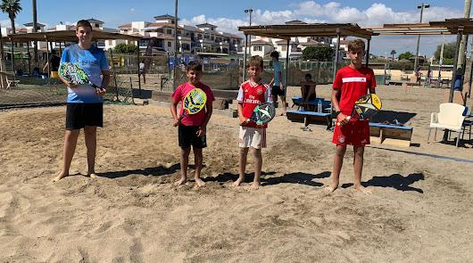 Vera acoge el Campeonato de Andalucía de Tenis Playa