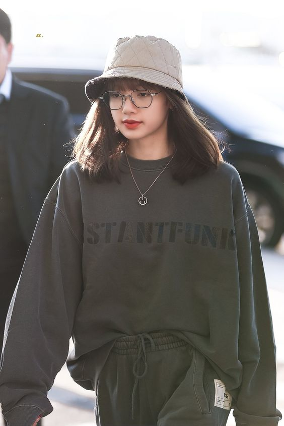 lisa glasses 43