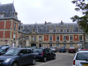 Photo: This 19th century chateau and grounds stand on the spot of the former Benedictine priory founded in 1080 for the veneration of the relics of Sainte Honorine. The park and chateau (which now houses the Musée de la Batellerie, highlighting barge construction and the history of river transport) was acquired by the town in 1931.