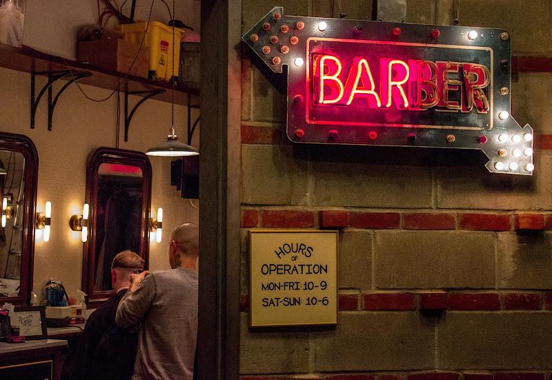 Barber's shop in Chelsea market (New York) di Estin