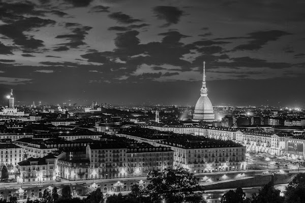 Turin By Night di riccardolipocelli