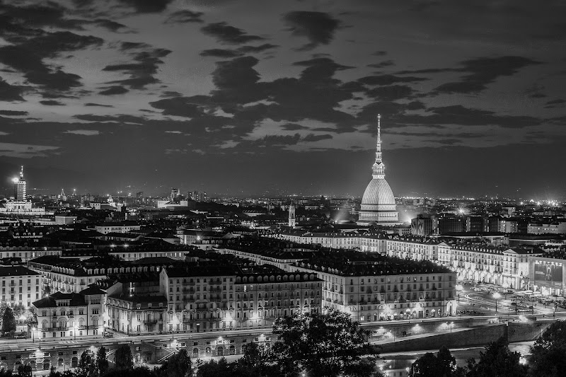 Turin By Night di riccardolipocelli