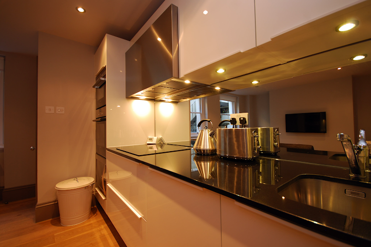 Fully equipped kitchen at Cleveland Street Serviced Apartments, Fitzrovia