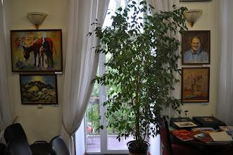 Photo: Выставка израильских художников в выставочном зале Одесского Дома - Музея имени Н.К.Рериха