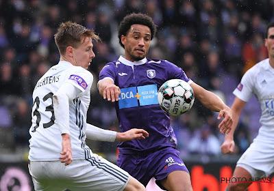 """Sanusi, de enige jeugdspeler van Beerschot in eerste ploeg: """"Antwerpen is een metropool, hier is zoveel talent"""""""